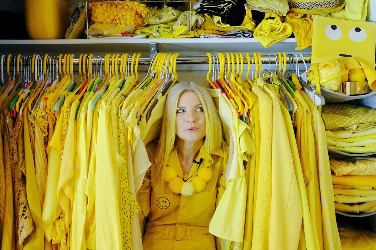 5 LADIES WHO WEAR AND LIVE IN ONE COLOUR- ella london yellow