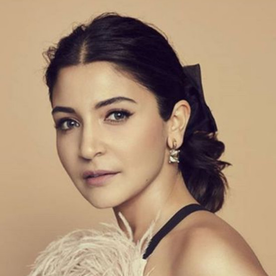 Anushka Sharma oval face